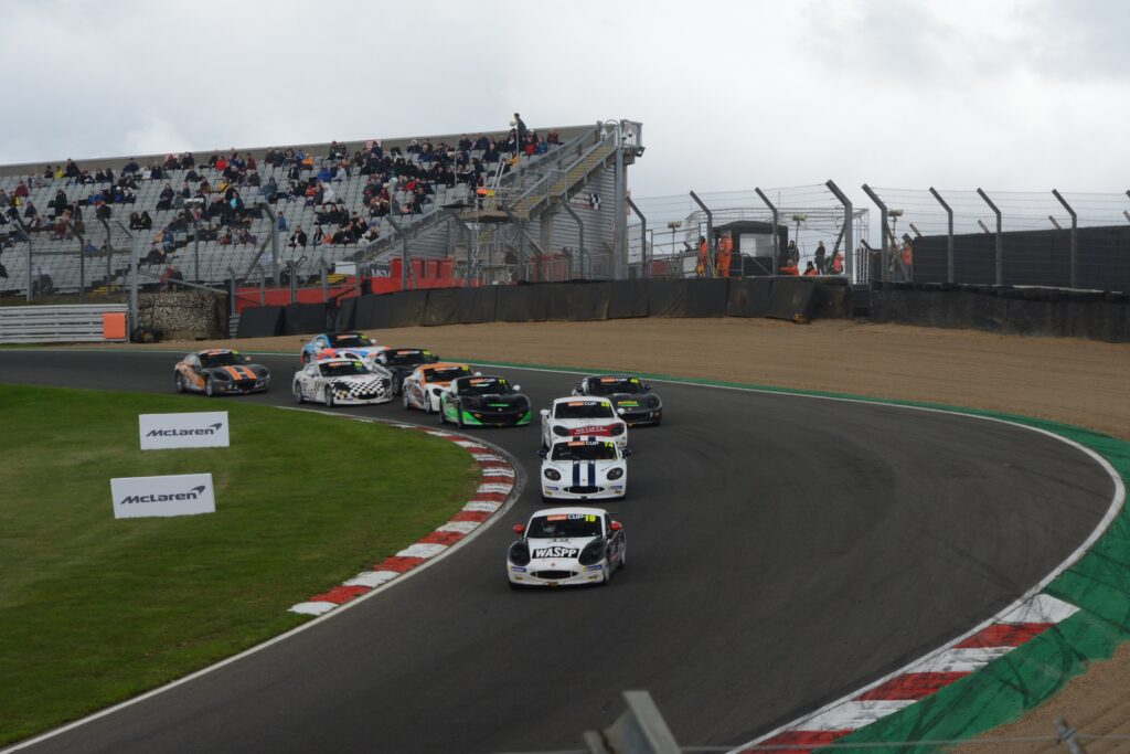 Ginetta Cup Paddock Hill Bend
